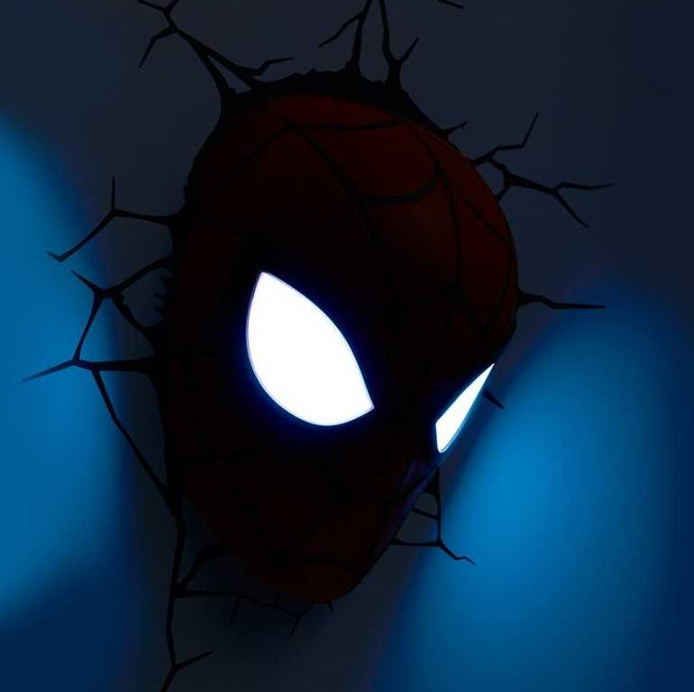 lámpara pared spiderman