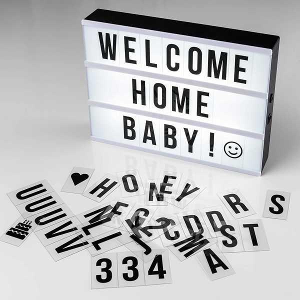 caja de luz con el mensaje welcome home baby