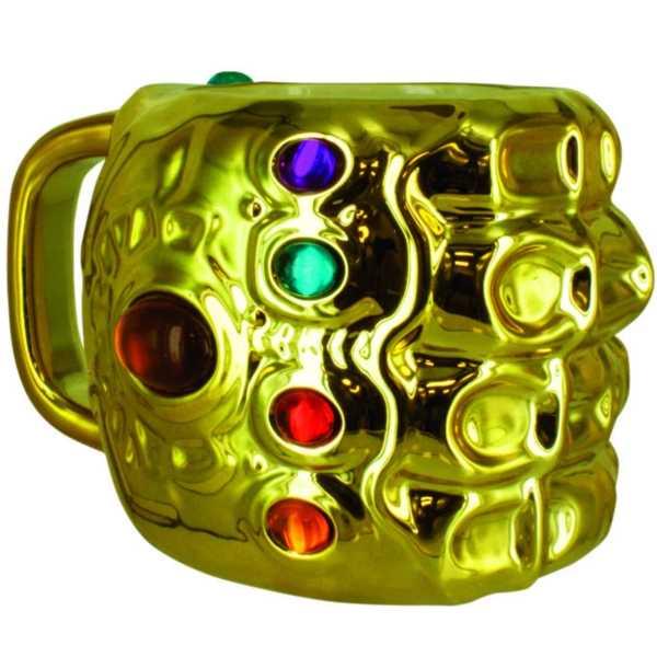 taza con forma de guantelete del infinito marvel