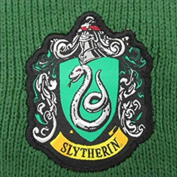 escudo slytherin en bufanda de harry potter