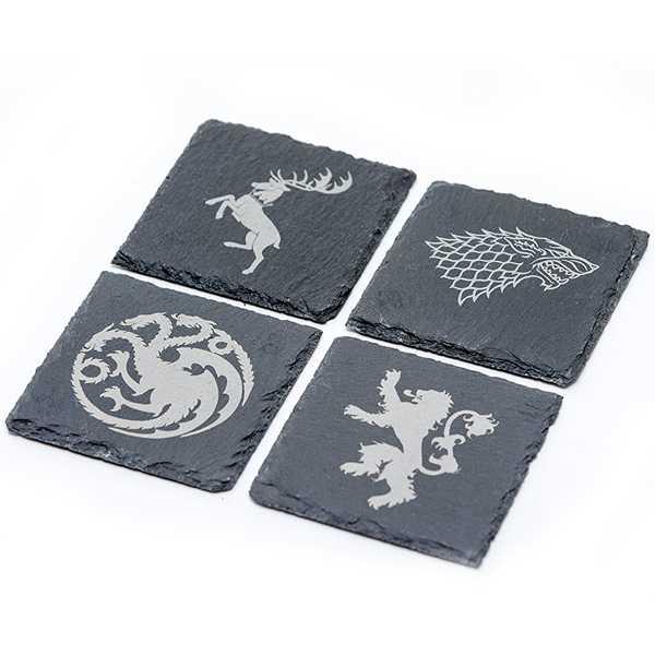 pack de 4 posavasos hechos de pizarra de las casas de juego de tronos