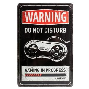 placa vintage warning gaming in progress
