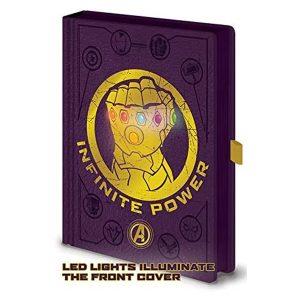 cuaderno con el guantele del infinito en la portada y luces led en las piedras