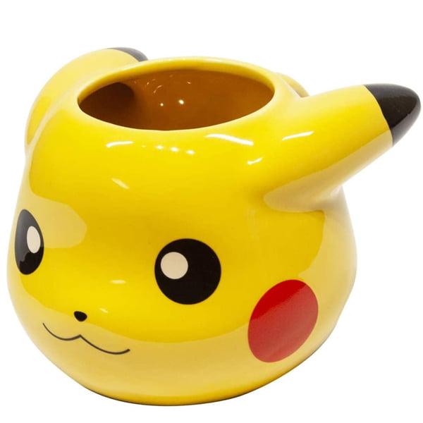 taza inspirada en el pokemon pikachu